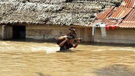 Ribuan Rumah Terendam Banjir Setinggi 1 Meter di Maluku