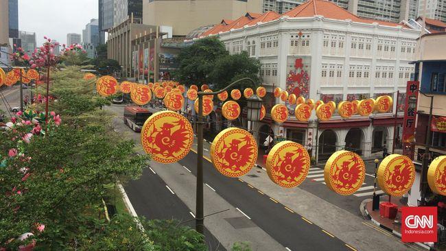 Keramaian yang biasanya menjadi pemandangan di kawasan Chinatown, Singapura, mendadak hilang. Padahal, beberapa jam sebelumnya Chinatown dibanjiri manusia.