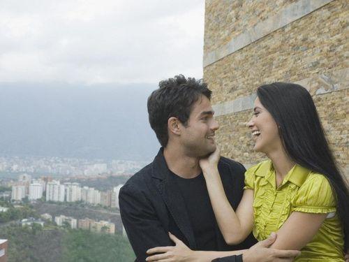 Memberi Dukungan Kepada Pasangan yang Akan Dimutasi Kerja