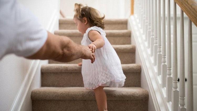 Mengasuh anak butuh dipelajari lho, bukan bakat alami. Yuk, kita belajar bersama, suamiku...