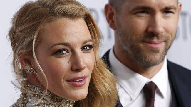 Blake Lively datang dengan perut membuncit saat mendampingi sang suami Ryan Reynolds dalam peluncuran perdana film terbaru 'Pokemon: Detective Pikachu.'