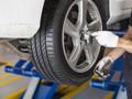 Kenapa Mobil Baru Perlu Spooring dan Balancing?