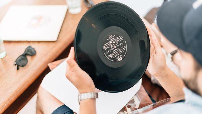 Ilustrasi Album Vinyl