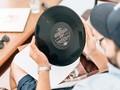 Jerit Derita Musik Independen jika Trump 'Bunuh' Kantor Pos