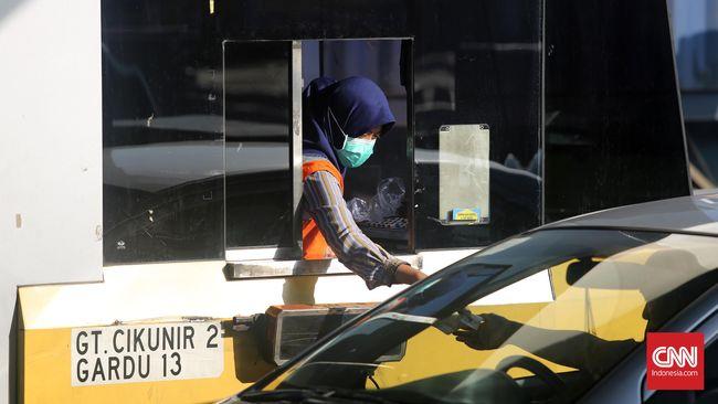 Asosiasi Serikat Pekerja (Aspek) Indonesia menyatakan kebijakan alihkerja tidak akan bisa menyerap seluruh pekerja jalan tol saat ini.