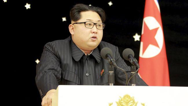 Sebuah restoran makanan khas Korut di Korsel sengaja memajang gambar Kim Jong-un untuk daya tarik, tetapi menuai kecaman warganet.