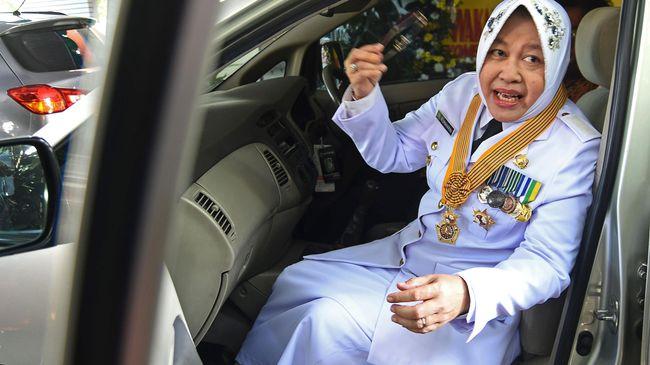 Nama Wali Kota Surabaya Tri Rismaharini dimunculkan pada Pilkada DKI Jakarta 2022. Rekam jejaknya dianggap bisa mewarnai kompetisi politik yang liar di Jakarta.