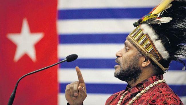 TNI menyatakan pemerintahan sementara Papua bentukan Benny Wenda akan diurus penegak hukum. TNI menjamin situasi di Papua saat ini masih aman terkendali.