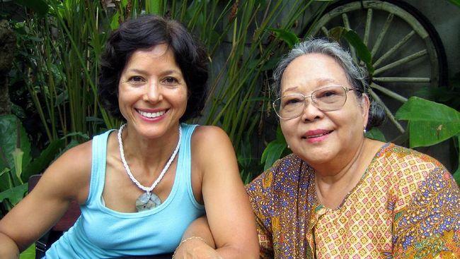 Putri Nh Dini, Marie-Claire Lintang, memilih jalur jadi pendidik. Apa ingatan terkuat tentang ibunya?