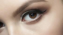 3 Cara Alami Atasi Alis Mata Beruban