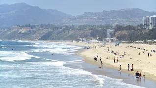 Pakai Masker, Aturan Baru Wisata di Pantai-pantai Los Angeles