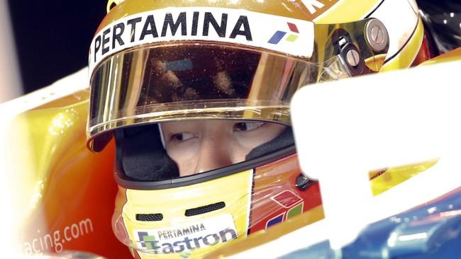Rio Haryanto menjalani tes resmi pertamanya sebagai pebalap Formula One (F1) dengan mengemudikan mobil MRT05 di Sirkuit Katalonia, Barcelona, Rabu (24/2).