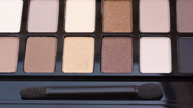 Make up ternyata juga butuh sertifikasi halal. Berikut proses 'perjalanan' kosmetik untuk mendapat label halal dari MUI.