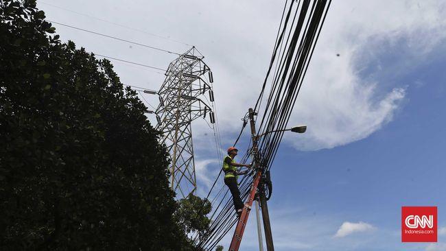 PT PLN (Persero) memastikan pasokan listrik di Kota Palembang, Sumatera Selatan usai insiden ledakan di PLTG Jakabaring, Jumat (16/4) pagi.