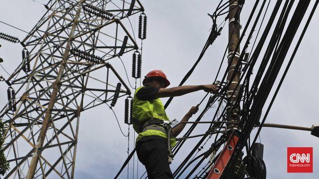 Indonesia mengimpor listrik dari Malaysia. Catatan Kementerian ESDM, impor listrik pada tahun lalu sebesar 0,54 persen atau 100-120 megawatt.
