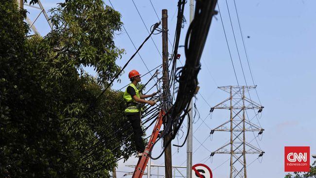 PLN investasi Rp165 miliar untuk proyek kelistrikan di Bekasi Timur. Investasi listrik itu salah satunya untuk menunjang Kereta Cepat Jakarta-Bandung.
