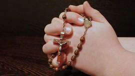 Studi: Efek Psikologis dari Berdoa Saat Pandemi