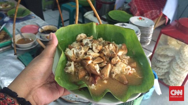 Ada banyak kisah seru seputar kuliner nan unik yang berasal dari Desa Gajahmati, Pati, ini. Seperti apa?