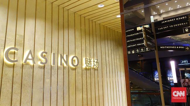 Siapa tak kenal kasino. Lokasi ini kerap menarik para wisatawan yang ingin menikmati hiburan lewat permainan yang mempertaruhkan uang.