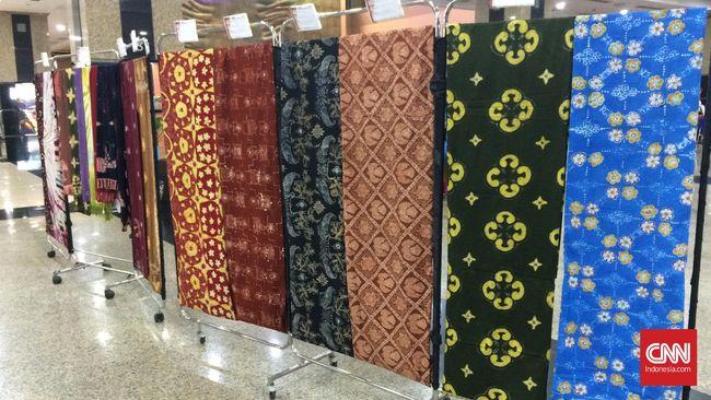 Bagi Josephine W Komara alias Obin, kain nusantara adalah bagian dari budaya Indonesia serta ciri khas Indonesia.