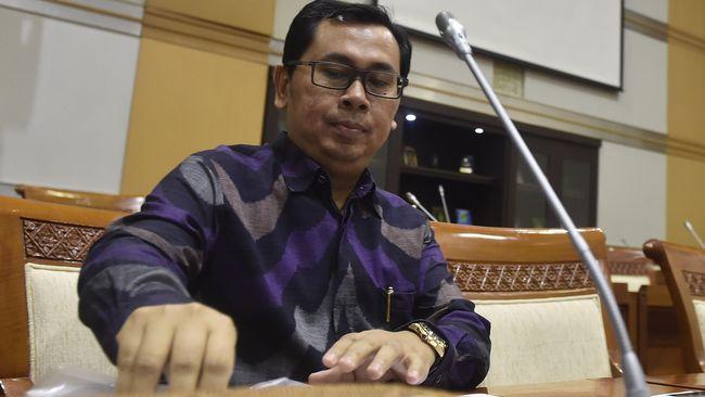 Stafsus Kemenkeu Yustinus Prastowo mengakui rencana BLT bagi pekerja bergaji di bawah Rp5 juta sebagai perluasan penerima bansos eksisting.