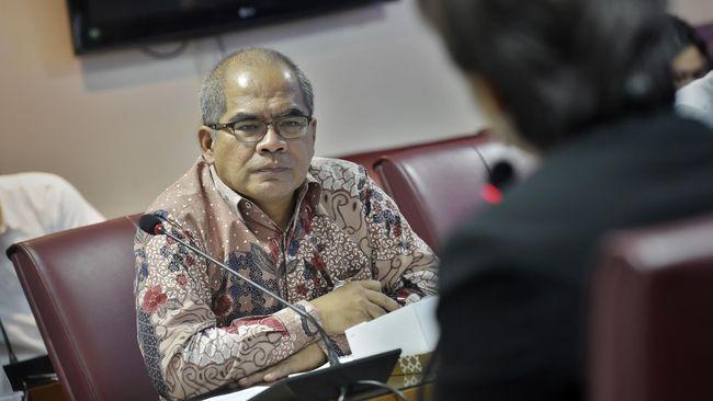 Sebelum ditunjuk sebagai Komisaris Utama PLN, Amien Sunaryadi sempat menjabat sebagai wakil ketua KPK dan Kepala SKK Migas.