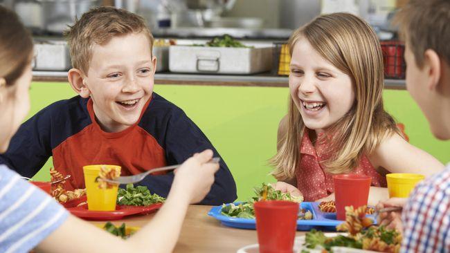 Kombinasi diet Mediterania dan konsumsi probiotik dapat membantu anak dan remaja obesitas menurunkan berat badan. Efek probiotik bahkan terus bertahan lama.