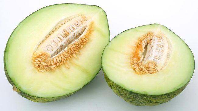 Sepasang melon premium Yubari di Jepang terjual dalam lelang dengan harga 3,2 juta yen atau sekitar Rp413 juta.