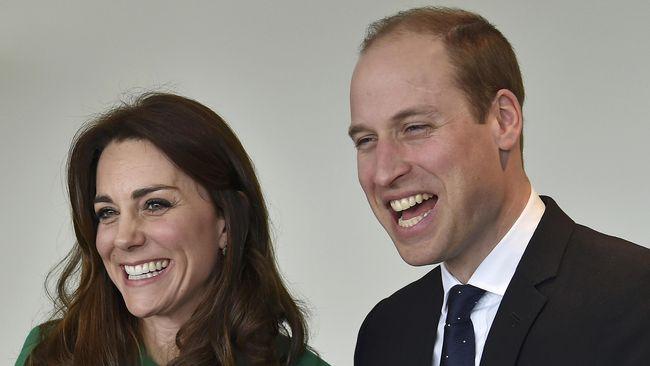Perbaiki Hubungan, William dan Kate Middleton Pamer Kemesraan