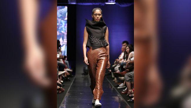 Ajang fashion Indonesia Fashion Week (IFW) yang seharusnya digelar pada April mendatang ditunda pelaksanaannya karena pandemi Covid-19.