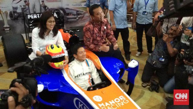 Pebalap F1 Indonesia Rio Haryanto terus berdiskusi dengan tim analisis Manor Racing untuk mengantisipasi cuaca labil di GP Australia.