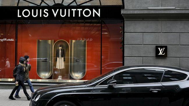 Label Louis Vuitton, Chanel, Gucci, dan beberapa rumah mode mewah lainnya 'naik pangkat' dan dinobatkan menjadi merek paling berharga di dunia versi Interbrand.