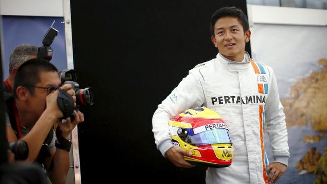 Rio Haryanto, putra bangsa Indonesia pertama di ajang F1, mendapat kehormatan menjadi enam dari 22 pebalap yang hadir dalam jumpa pers jelang seri GP pertama.