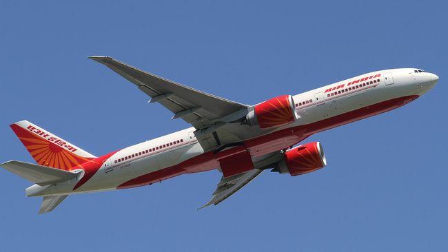 Otoritas India menangguhkan lisensi seorang pilot senior selama tiga tahun karena gagal menjalani tes alkohol sebelum terbang dari New Delhi ke London, Inggris.
