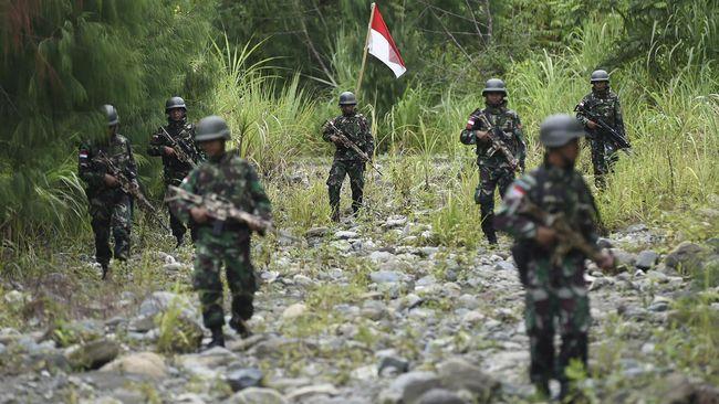 Kontak senjata dengan Kelompok Kriminal Bersenjata (KKB) di Intan Jaya, Papua, kembali menewaskan satu prajurit TNI.