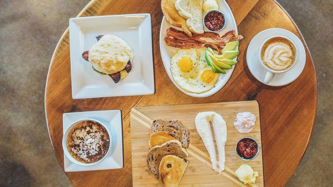 Bagi yang sedang diet tetap disarankan untuk tidak melewatkan sarapan. Berikut menu sarapan diet yang mengenyangkan agar perut tak cepat keroncongan.
