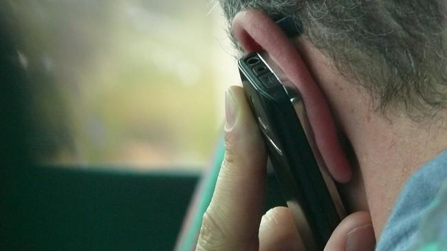 Studi: Menelepon 10 Menit Hilangkan Rasa Kesepian