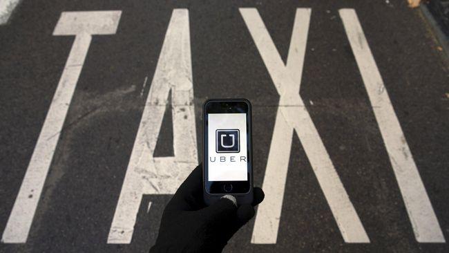 Nantinya semua mobil yang beroperasi menggunakan aplikasi seperti Uber dan GrabCar harus mempunyai pool layaknya taksi konvensional.