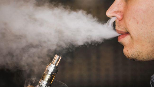 Sejumlah kasus baru menunjukkan, penyakit paru-paru disebabkan oleh rokok elektrik.