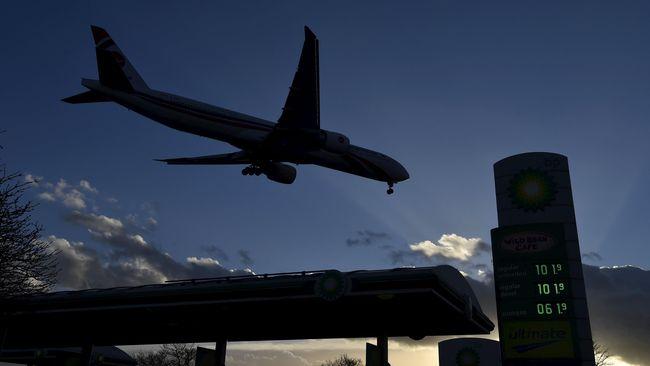 Bandara New York tutup sementara pasca kejadian pesawat tergelincir saat mendarat.