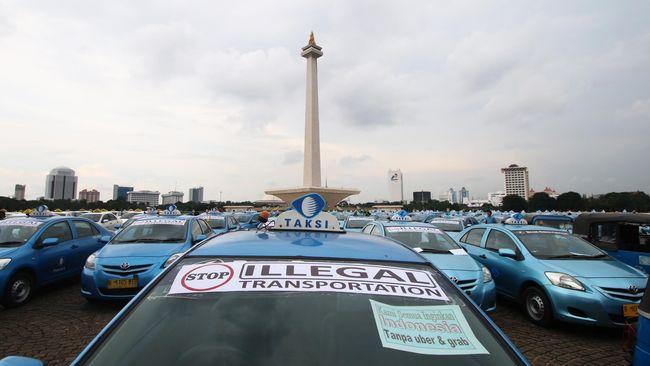 Dengan rekomendasi dari Kementerian Perhubungan, Kominfo bisa memblokir aplikasi taksi online jika ada aduan yang tidak ditanggapi dalam 2 x 24 jam.