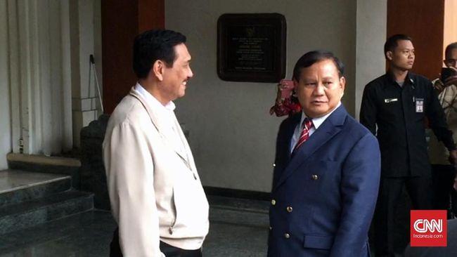 Menhan Prabowo Subianto berkunjung ke kantor Menko Maritim Luhut Binsar Pandjaitan dengan alasan meminta saran karena menganggapnya senior.