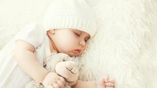 Tidak Tidur Terus Sepanjang Malam Bisa Jadi Tanda Bayi Cerdas