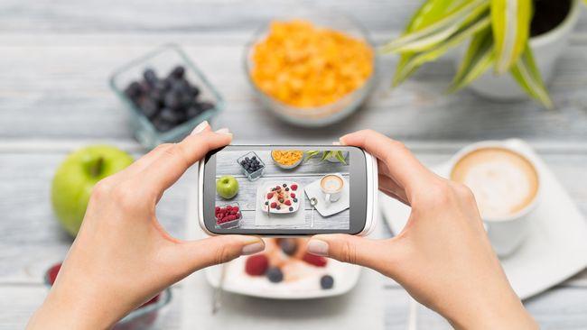 Di era digital, makanan bukan lagi sekadar pengisi perut melainkan konten 'simbol status' di media sosial. Sayang, rasa sering jadi nomor dua.