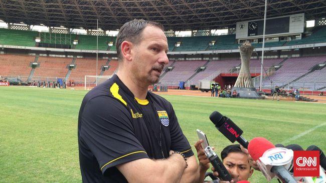 Kontestan Liga 1 2019 Madura United mengumumkan perekrutan Dejan Antonic sebagai pelatih tim Laskar Sapeh Kerrab.