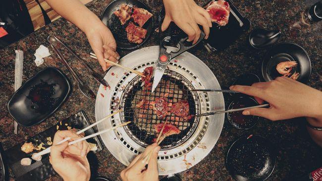 Ilustrasi BBQ Bersama
