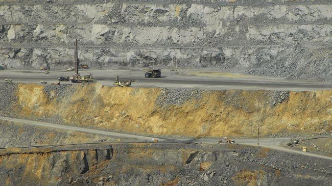 Smelter Amman Mineral Beroperasi Paling Telat 2022
