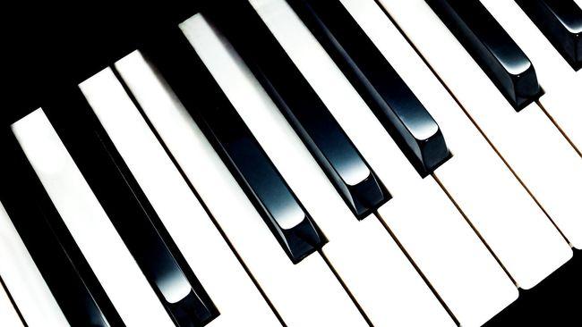 Salah satu program pengembangan musik klasik di Pulau Dewata adalah penyelenggaraan Pesona Bali Open Piano Competition 2016.