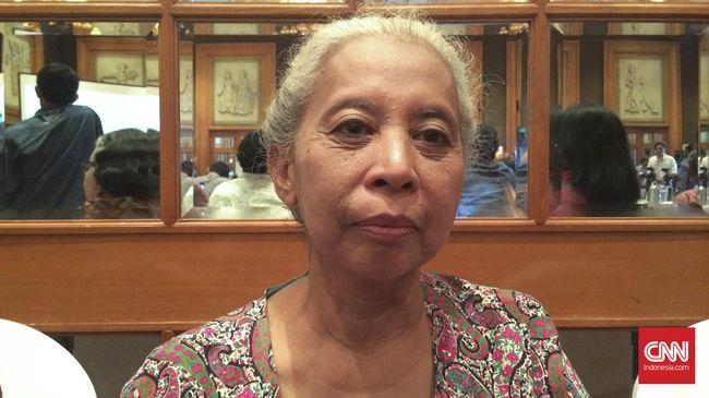 Svetlana Dayani, putri Nyoto --Wakil Ketua Central Committee Partai Komunis Indonesia-- mengatakan ketakutan terhadap label PKI saat ini sudah berlebihan.
