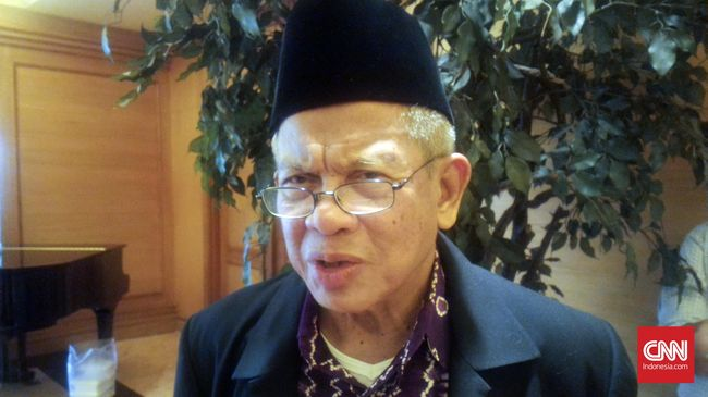 Pada satu sore di bulan Ramadan, Fatwa --alumni Perserikatan Organisasi Pemuda Islam Seluruh Indonesia-- menyambangi kediaman Pram, eks aktivis Lekra.